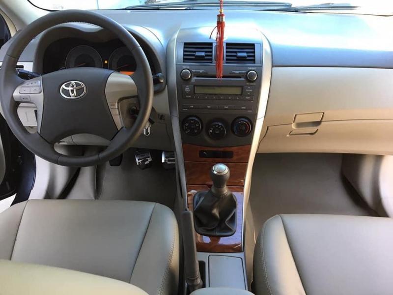 Cần bán gấp Toyota Altis 2009 ,số sàn màu đen cực xịn