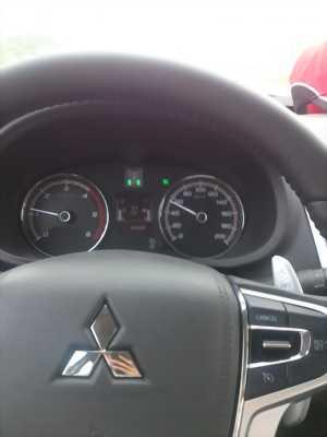 Cần bán xe bán tải Mitsubishi Triton, số tự động