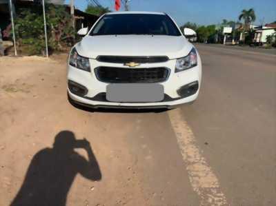 Chevrolet Cruze LT 2017 số sàn màu trắng, xe đi được 42000km