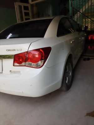 Gia đình cần bán xe Cruze 2013 Ltz, số tự động, màu trắng