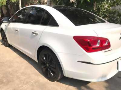 Cần bán xe Chevrolet Cruze 1.8LTZ đk 05/2017 màu trắng