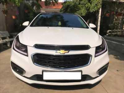 Cần bán xe Chevrolet Cruze LTZ đk 05/2017 số tự động màu trắng