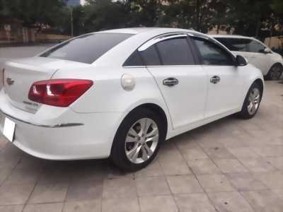 Gia đình cần bán xe Cruze LTZ 2018, số tự động, màu trắng