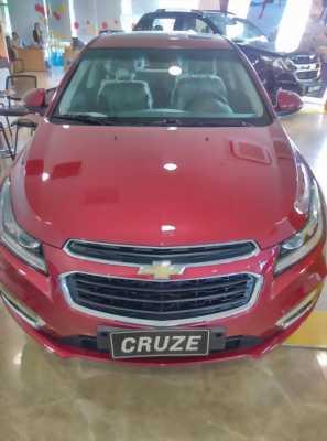 Chevrolet Cruze LTZ 2017 giá giảm thêm 60 triệu đồng