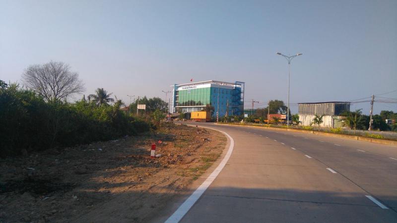 Cho thuê đất 10.000m2 đường Nguyễn Văn Linh, Bình Chánh.