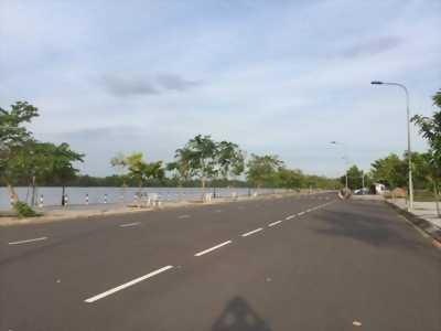 Nhà phố xây mới 100%, 1 trệt, 1 lầu ngay Phong Phú