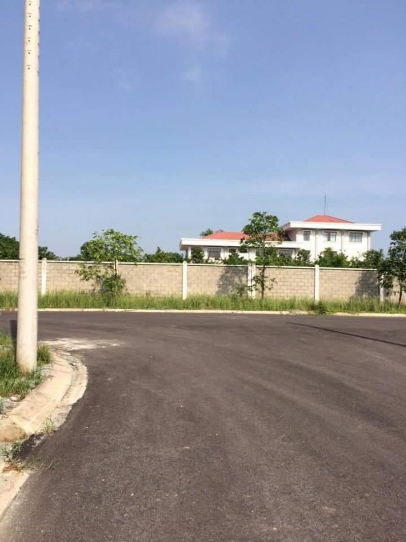 Chính chủ bán lô đất 150m2, giá 830 triệu, MT Tỉnh Lộ 10, Bình Chánh, SHR.LH: 0969.445.121 Ms- Hương