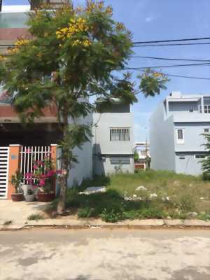 Gia đình cần bán gấp lô Đất sổ hồng riêng tại Phạm Văn Hai, Bình Chánh.