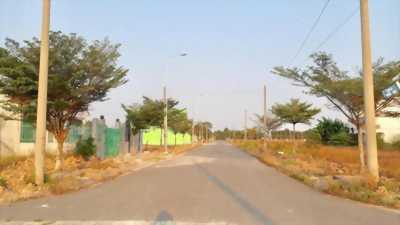 Tôi cần bán gấp đất thổ cư Bình Chánh chỉ 780 triệu/100m2,Tỉnh Lộ 10,cạnh KCN Lê Minh Xuân