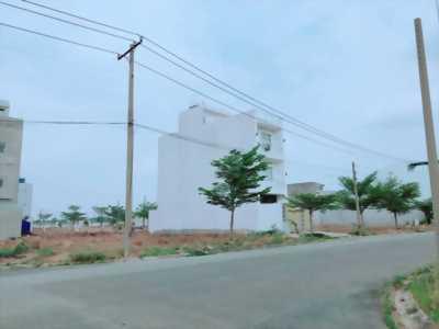 Tôi có 5 nền đất mặt tiền đường Hoàng Phan Thái, dt 80m2 , SHR