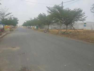Cần bán đất ngang 10m dài 32m tại phường 4, Thị xã Cai Lậy, Tiền Giang (có thổ cư 150m2)