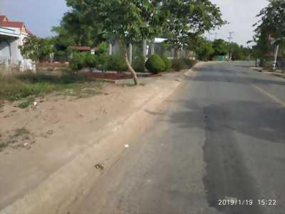 Bán đất thổ cư mặt tiền đường 835B xã Phước Lý, Cần Giuộc, Long An. Diện tích: 2700m2
