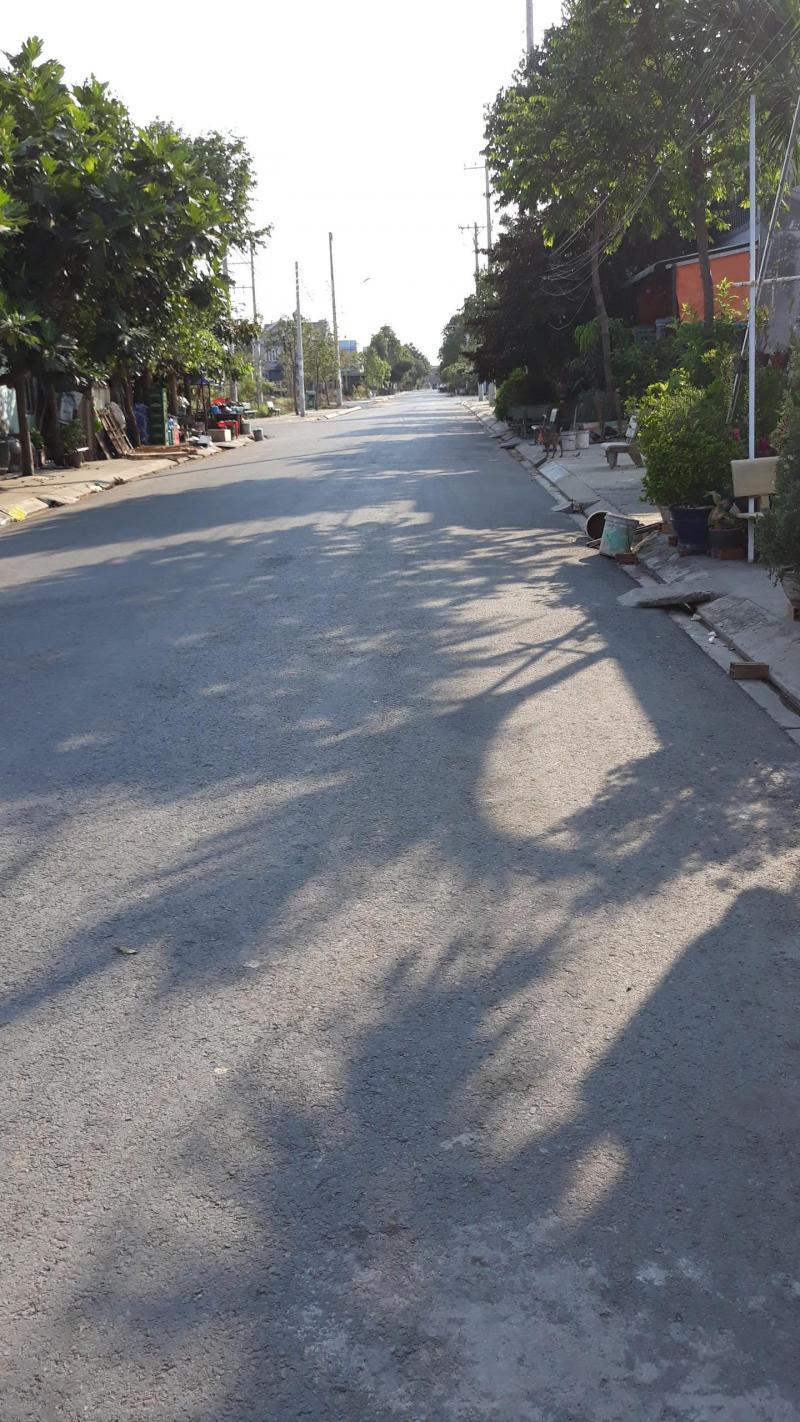 Bán đất nền 93m2, sổ hồng riêng, đường 10m, ở Tái Định Cư Tân Kim, Cần Giuộc, Long An