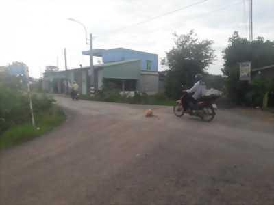 Cần bán đất thổ cư, sổ hồng riêng đường ấp Lộc Trung, xã Mỹ Lộc, huyện Cần Giuộc, tỉnh Long An.