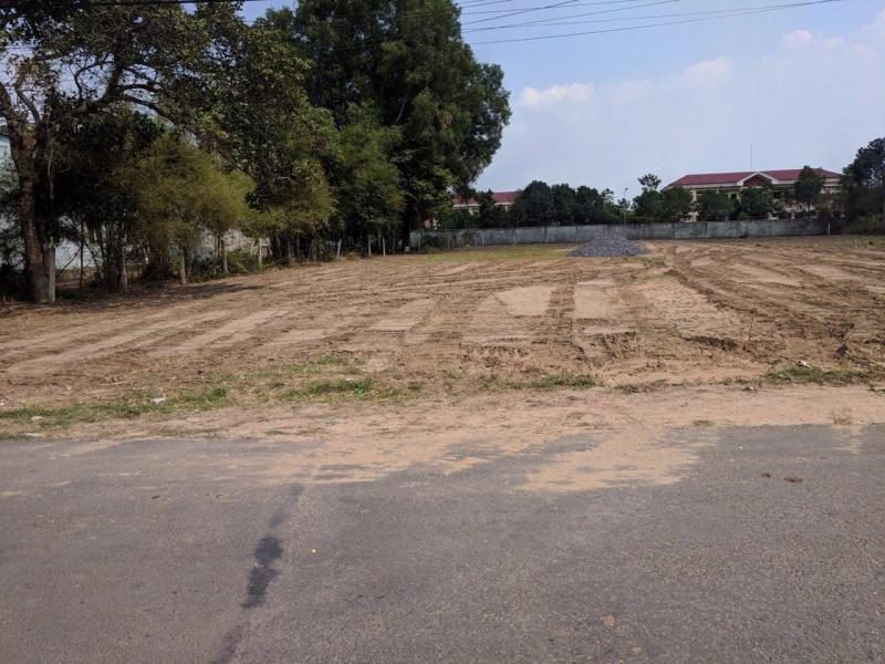Đất DT 400m2 - Giá 1,2 tỷ - SHR - mặt tiền đường - 0901 446 479