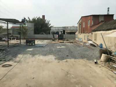 Cần bán đất 28m x 28m, ba mặt tiền đường Nguyễn Bình