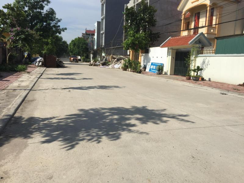 Lô này tại thôn 6 xã Phú Cát . Sát đường đôi cnc.