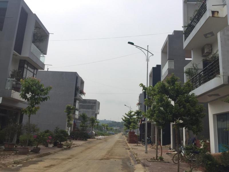 Bán đất TP Lào Cai giá niêm yết chủ đầu tư 240tr .