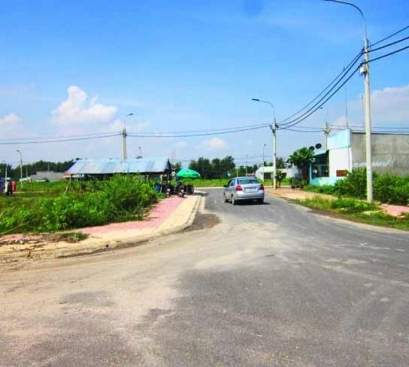 Cần bán lô đất ngay mặt tiền Đồng Văn Cống, quận 2