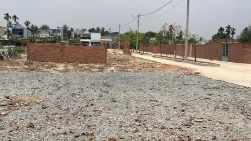 Càn bán 5 lo đất quận 9 mặt tiền đường D2 liên phường