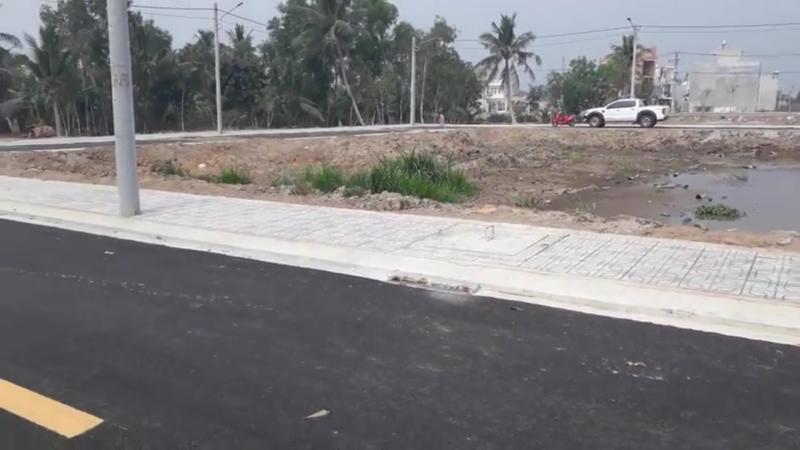 Bán gấp 3 lô đất nền, đường A1, quận 9, sổ hồng đầy đủ
