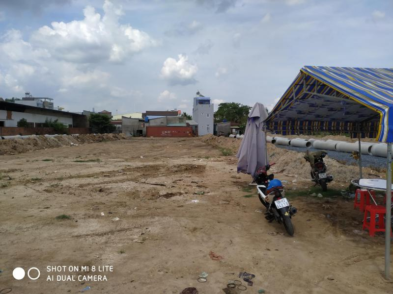 Bán đất mặt tiền đường 4 Lò Lu Quận 9 liền kề KDT Sim City