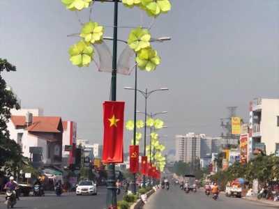 Bán Đất Mặt Tiền Đường Lê Văn Việt, tặng luôn nhà cấp 4