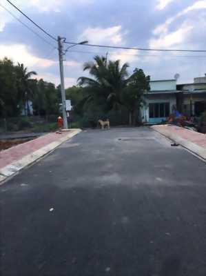 Cần bán gấp lô 4 đất đường 23 Nguyễn Xiển, cách Vinhomes Grand Park 200m