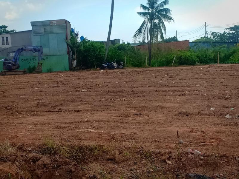 Cần bán lô đất ngay mặt tiền đường Lò lu 1.500.000.000 đ- 60 m2