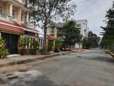 Bán NHÀ THÔ đường số 11 KDC Diệu Hiền - DT 138m2