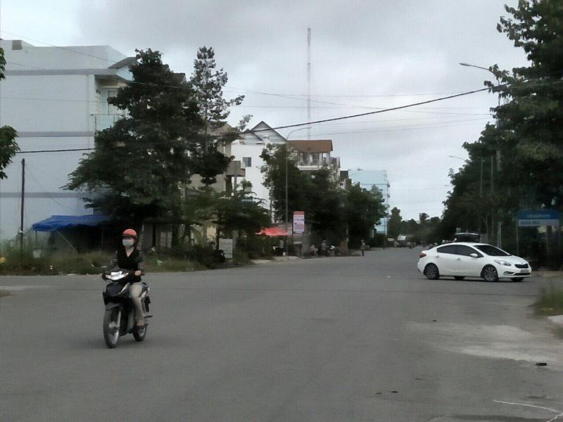 Bán nền đường số 12 khu dân cư 586 - DT 120m2