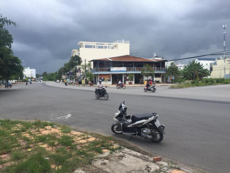 Bán nền đường A2 (Cách trường mầm non Ngôi Sao 20m) khu dân cư Hưng Phú I - DT 72m2 - LG 30m - Giá 3 tỷ 300 triệu - Hướng TB - LH 0986184837 (Sương)