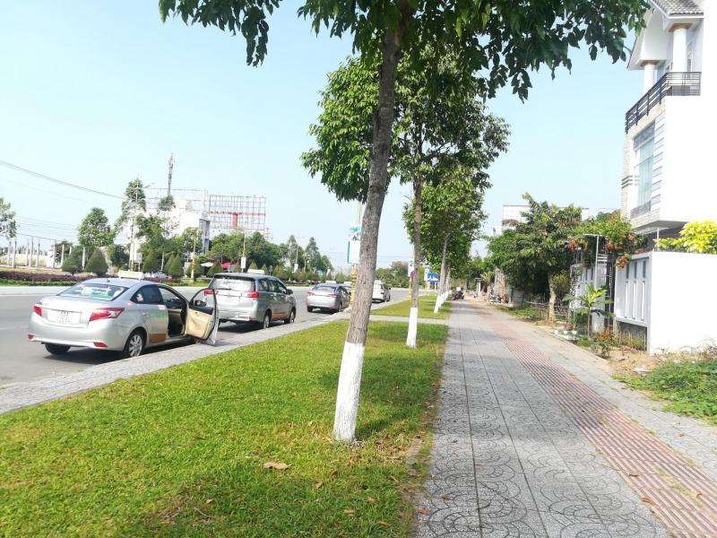 Bán nền mặt tiền đường Võ Văn Kiệt (Đối diện binh đoàn 789) - Diện tích 187m 2 - Hướng Tây Nam - Giá 4 tỷ - Lh 0986184837 Sương