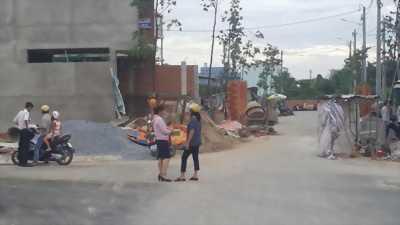 Đất Mặt tiền Kinh Doanh gần Chợ, Trung Tâm Hành Chính