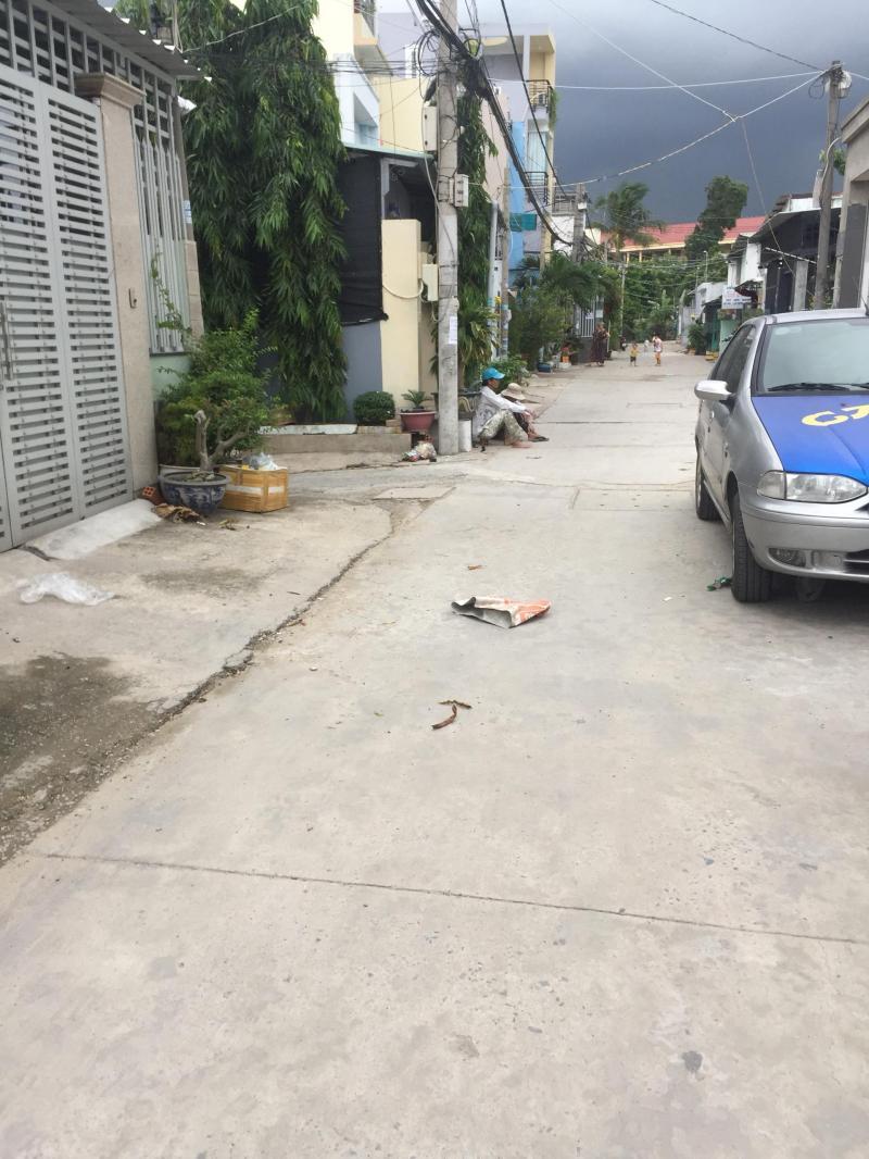 Chính chủ bán đất đường số 48, hẻm xe hơi, phường Hiệp Bình Chánh, Thủ Đức, 74m2, giá 41tr/m2, SHR