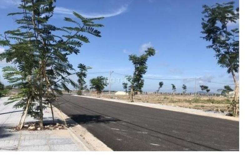 Đất mặt tiền Nguyễn Tất Thành, chỉ 800tr/nền, tiện kinh doanh, xây khách sạn