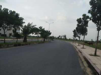 Bán đất nằm gần ngã ba Vũng Tàu, ngay đường lớn rộng