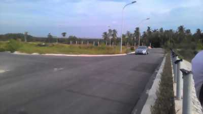 Đất nền mặt tiền đường Phạm Hữu Lầu