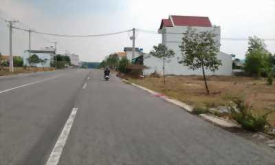 Bán nhà và đất mặt đường 261