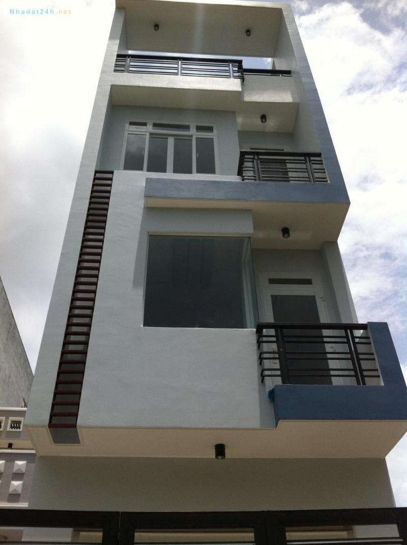 Tôi cần bán nhanh với giá Lỗ Nhà 1 trệt 3 lầu và lô đất 450m2 ngay TT Bình Dương