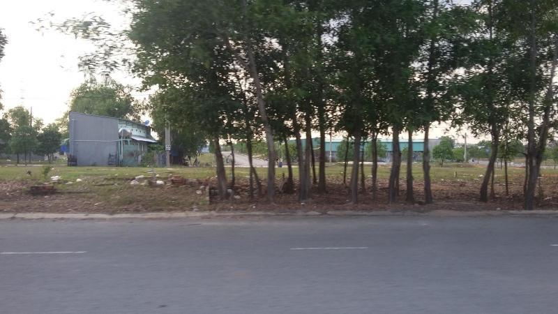 Cần bán đất mặt tiền chợ 380tr/600m2, gần trường học cấp 3