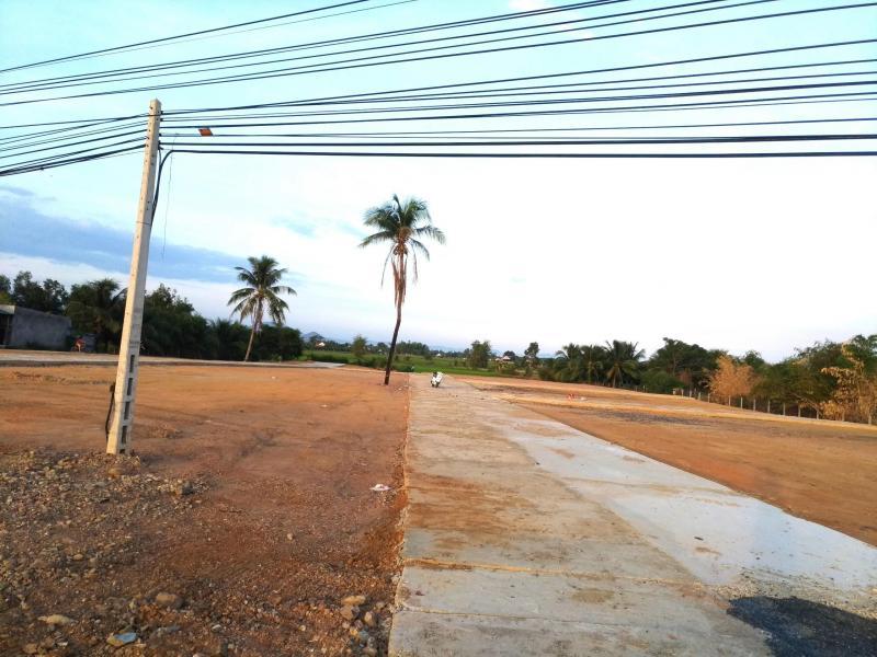 Đất mặt tiền mặt tiền đường quốc lộ 1A kế bên KDL Dốc Lết thuộc thị xã Ninh Hòa Khánh Hòa