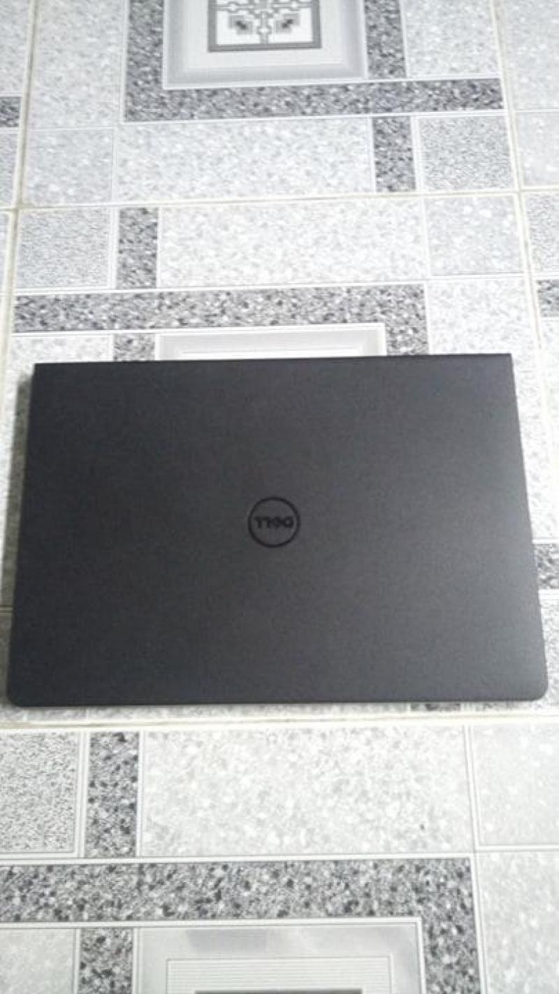 Laptop dell còn 90%