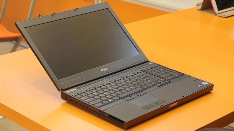 Dell latitude e5540 Có bàn phím số fullhd