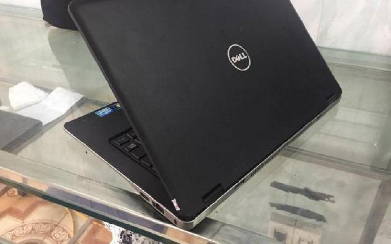 Laptop Dell Latitude 6430u chip Intel Core i5 4 GB SSD 128GB