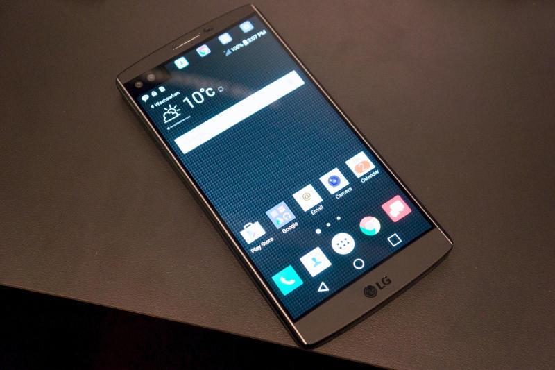 Điện thoại LG F180 ram2G bộ nhớ 32g ở Hà Nội