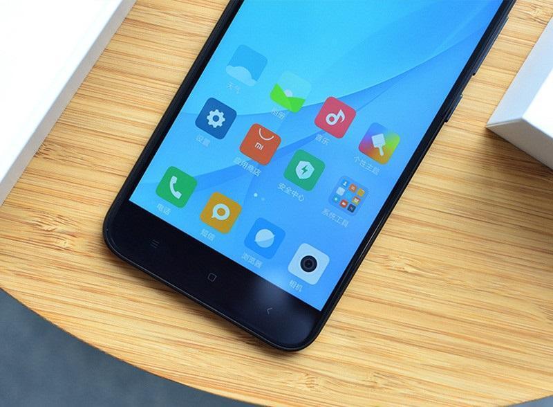 Điện thoại Xiaomi Mi giá bao nhiêu?