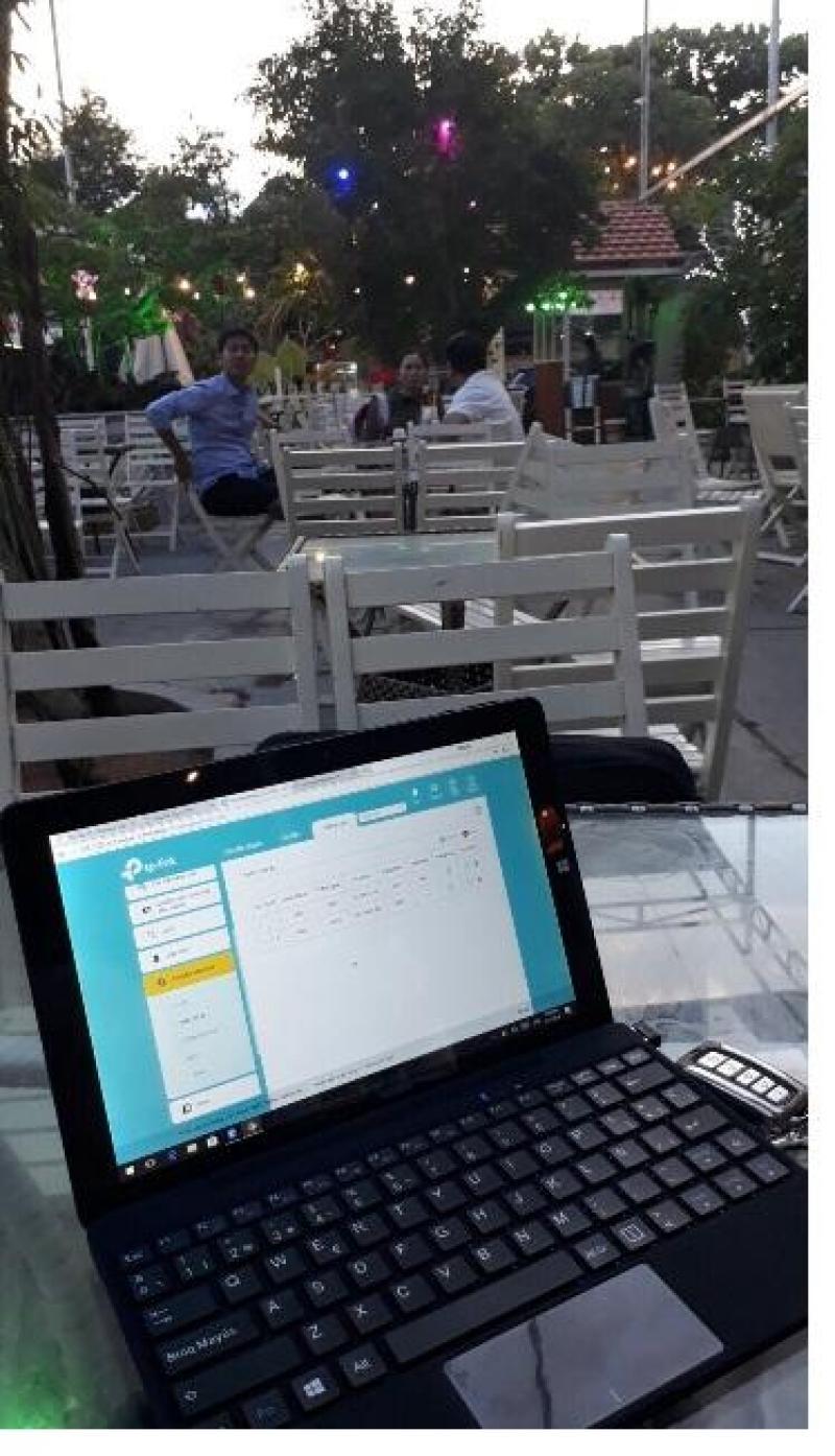 Cài phần mềm quản lý cho quán cafe.