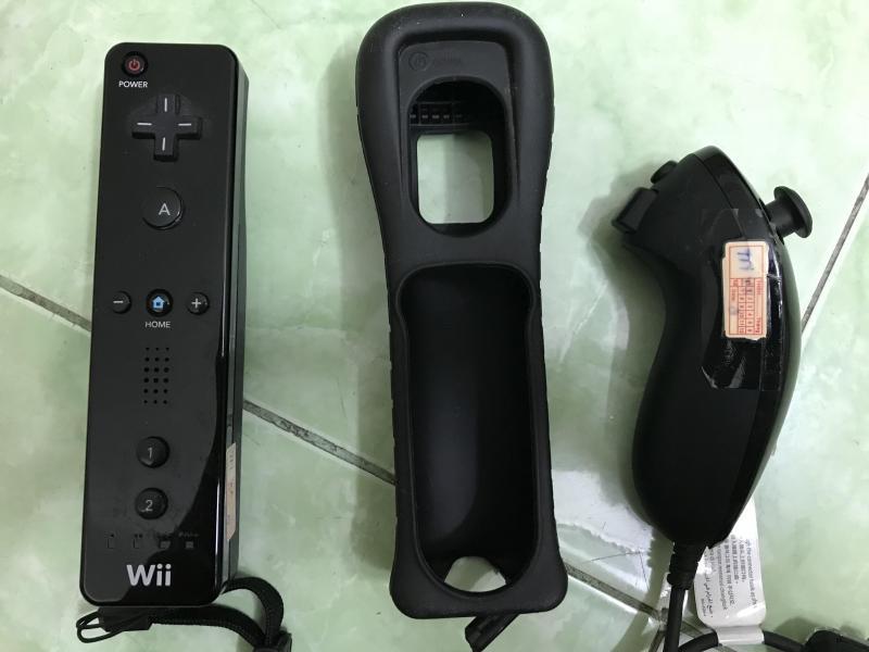 Bán Wii Remote + Nunchuck
