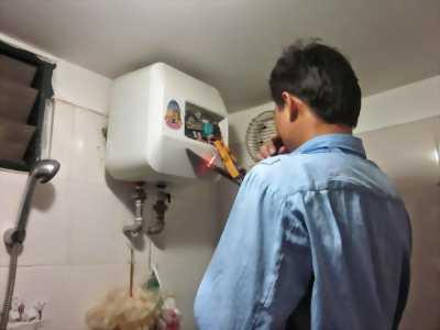 Máy tắm nước nóng ariston chưa sửa
